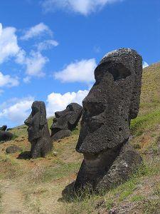 450px-moai_rano_raraku